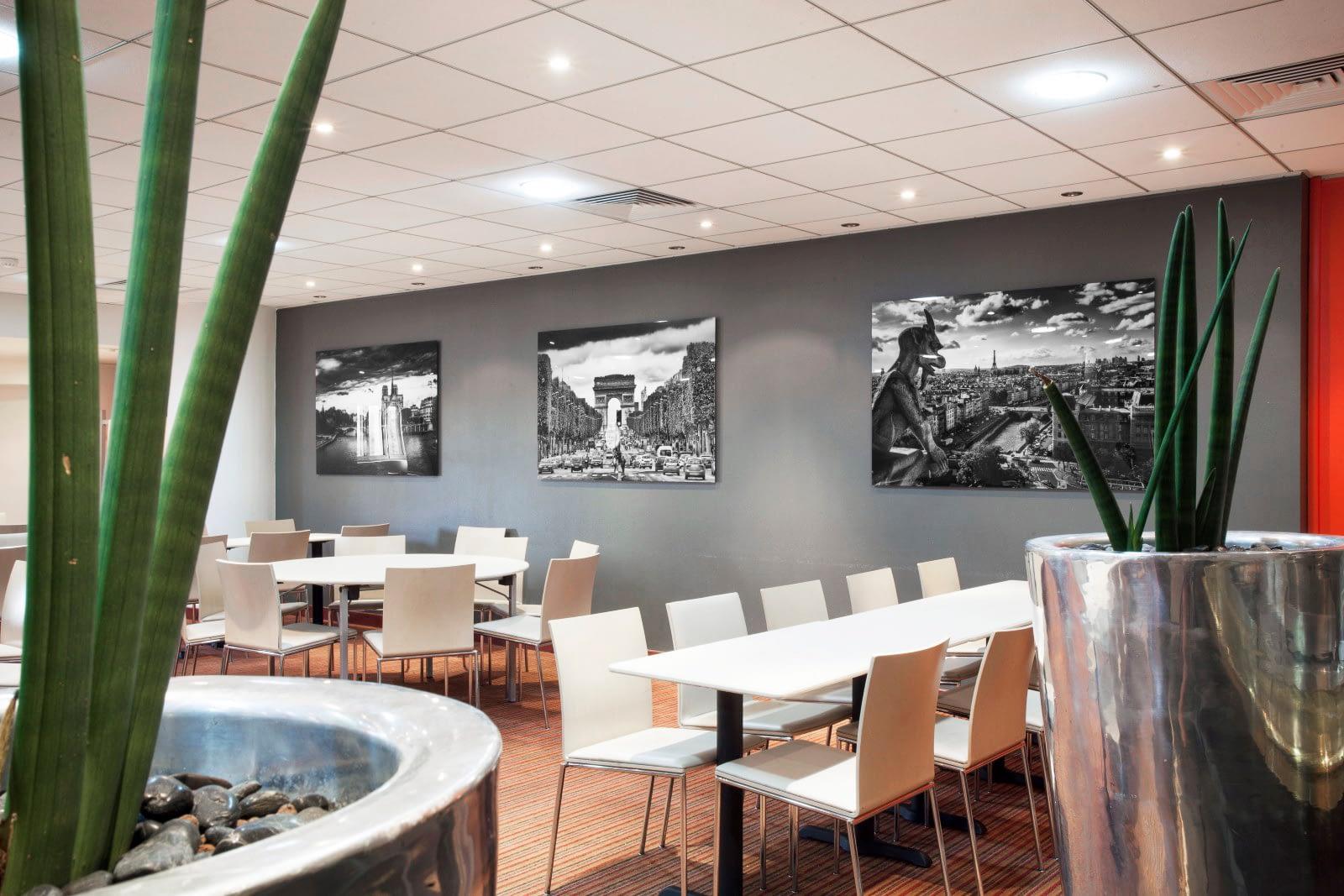 Vente et installation de photographies d'art Pixopolitan pour l'hôtel 4 étoiles Mercure La Défense