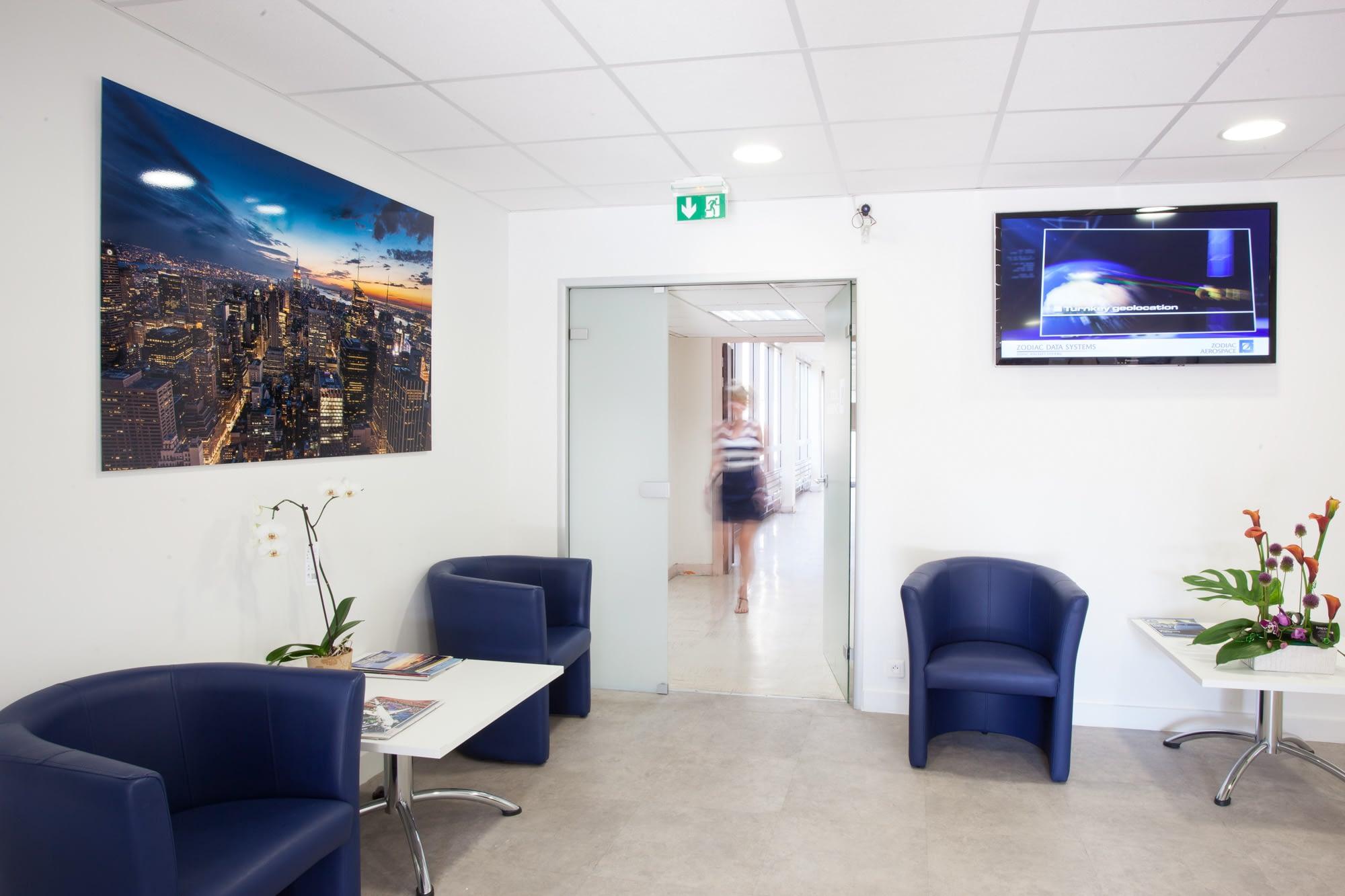 Vente et installation de photographies d'art Pixopolitan pour l'entreprise aéronautique Zodiac Aérospace