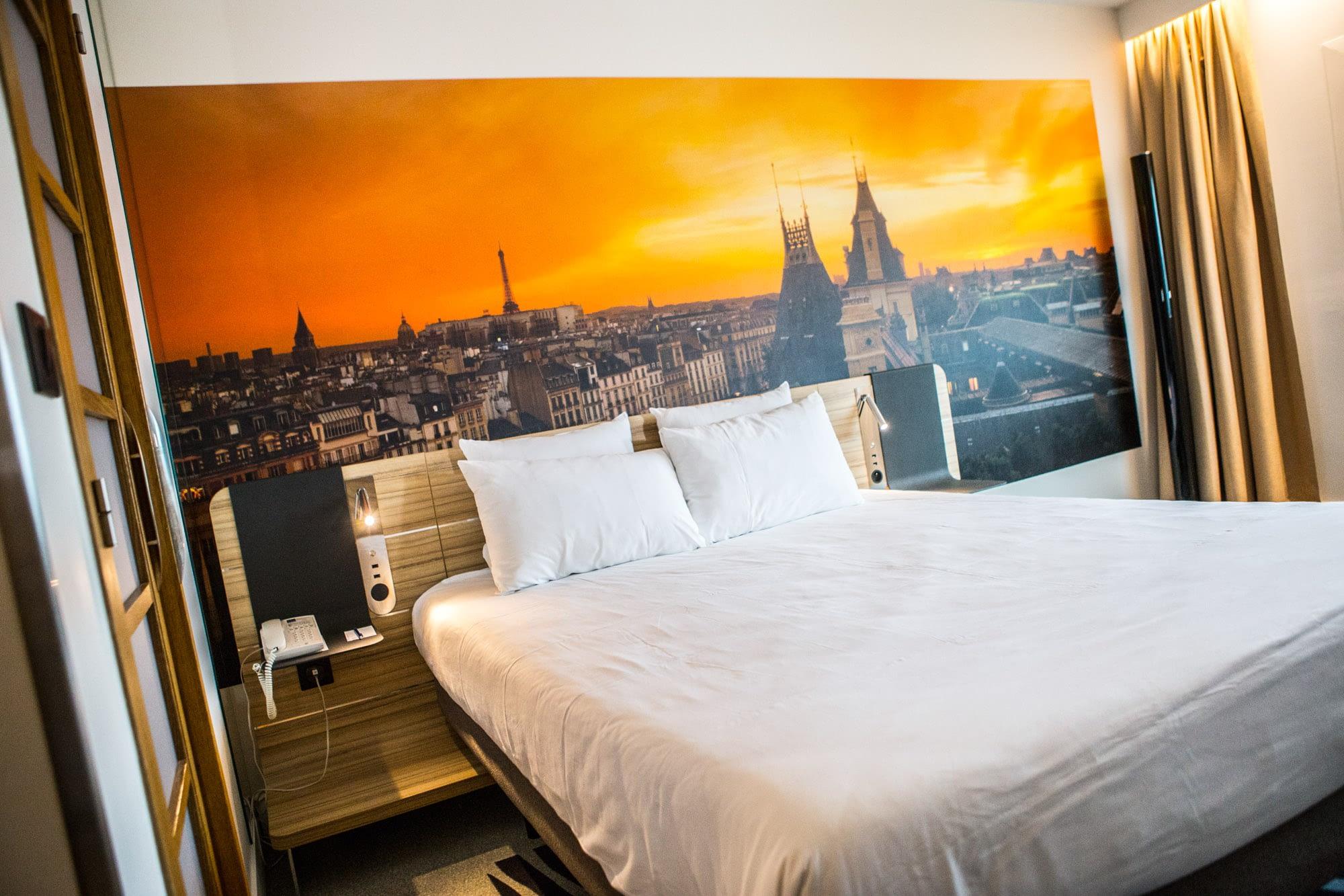 Vente et installation de photographies d'art Pixopolitan pour le Novotel Porte d'Orléans