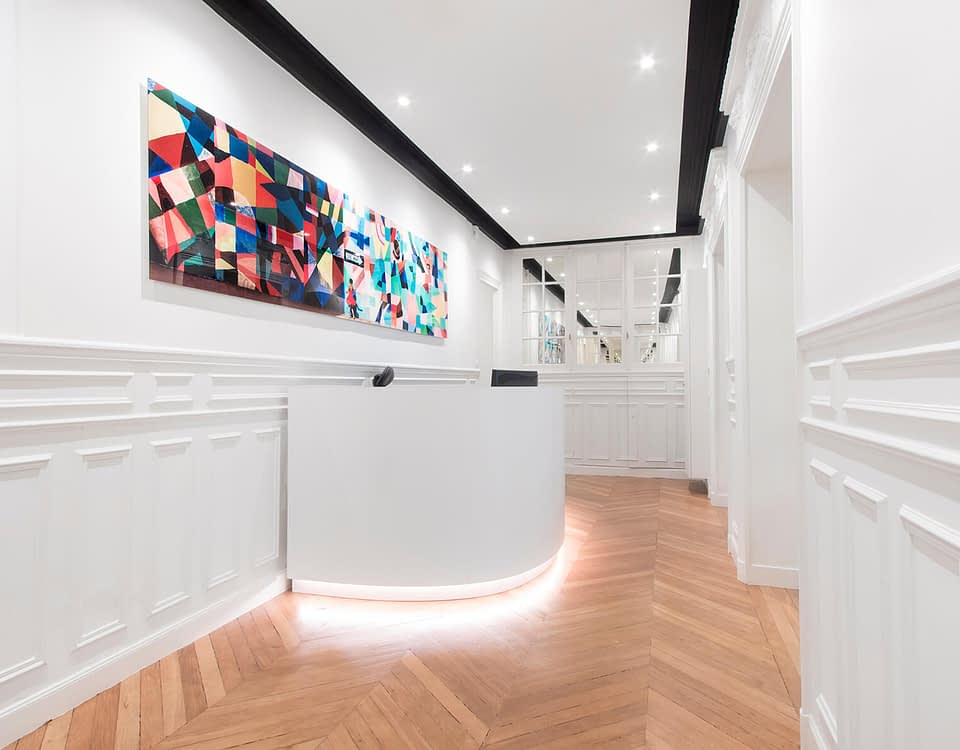 Vente et installation de photographies d'art Pixopolitan pour le cabinet d'avocats Paulhan et Associés.