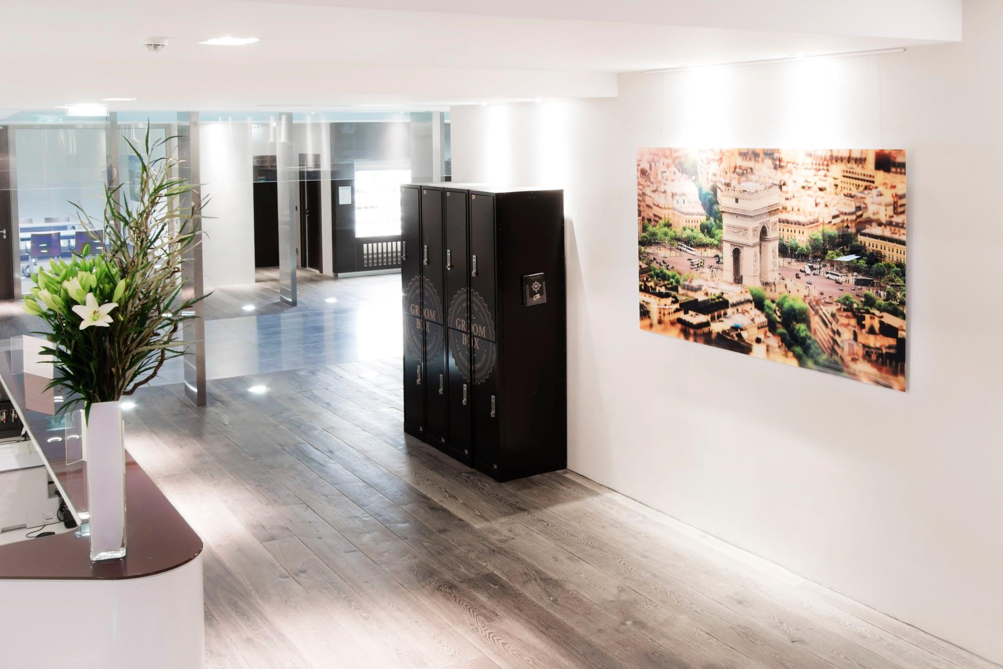 Vente et installation de photographies d'art Pixopolitan pour l'hôtel d'entreprises Astorg